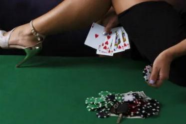 sexy-poker-sofia